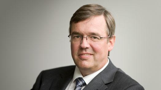 Bernhard Holz, Wirtschaftsprüfer, Steuerberater, Ebner Stolz, Joseph-Schumpeter-Allee 25, 53227 Bonn, Hohler Weg 3, 57072 Siegen