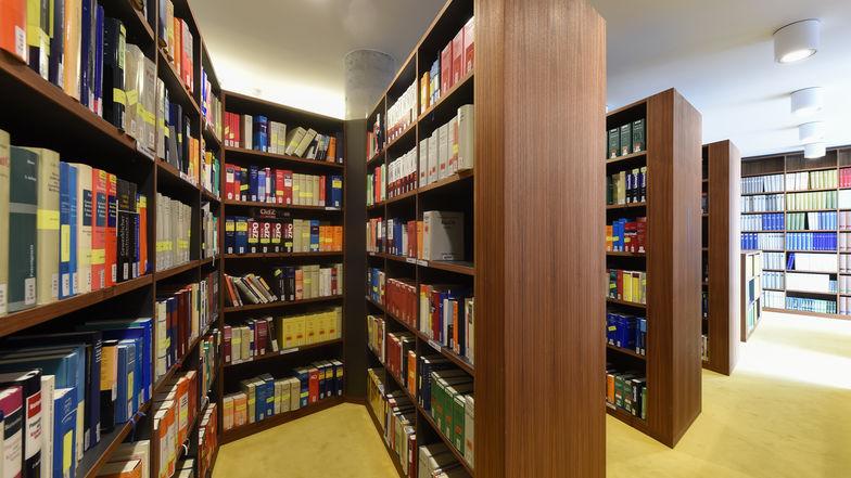 Bibliothek Hamburg