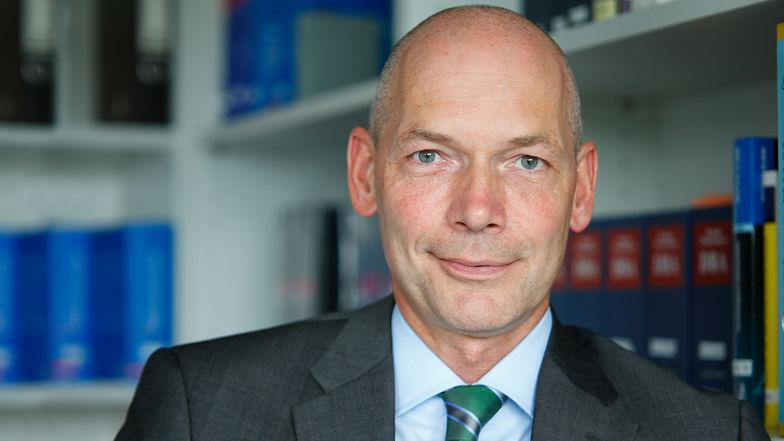 Christian Fröhlich, Wirtschaftsprüfer, Steuerberater, Ebner Stolz, Karl-Wiechert-Allee 1 d, 30625 Hannover