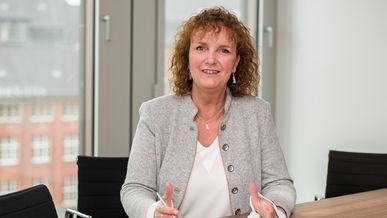 Eva Rehberg referiert auf dem 9. Thementag Außenwirtschaft