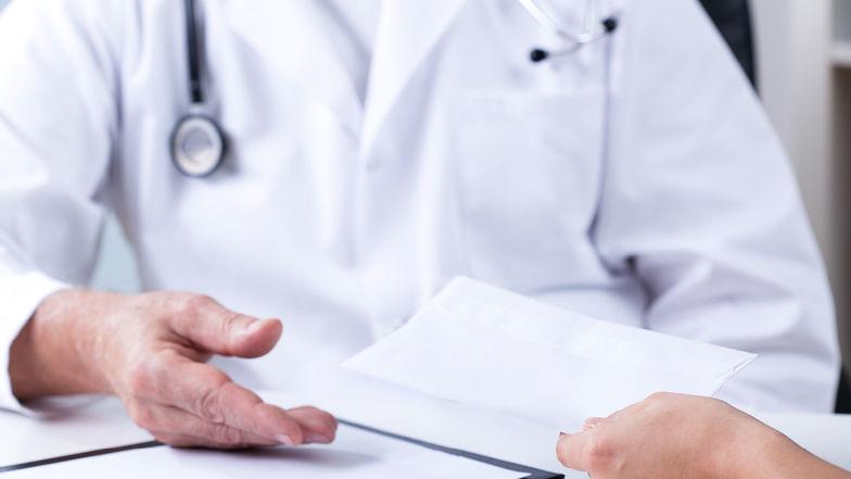 Krankenhaus-Honorarärzte sind regelmäßig sozialversicherungspflichtig