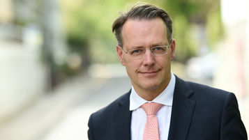 Prof. Dr. Dietrich Grashoff, Wirtschaftsprüfer, Steuerberater, Rechtsanwalt, Fachanwalt für Steuerrecht, Ebner Stolz, Kohlhökerstraße 52, 28203 Bremen