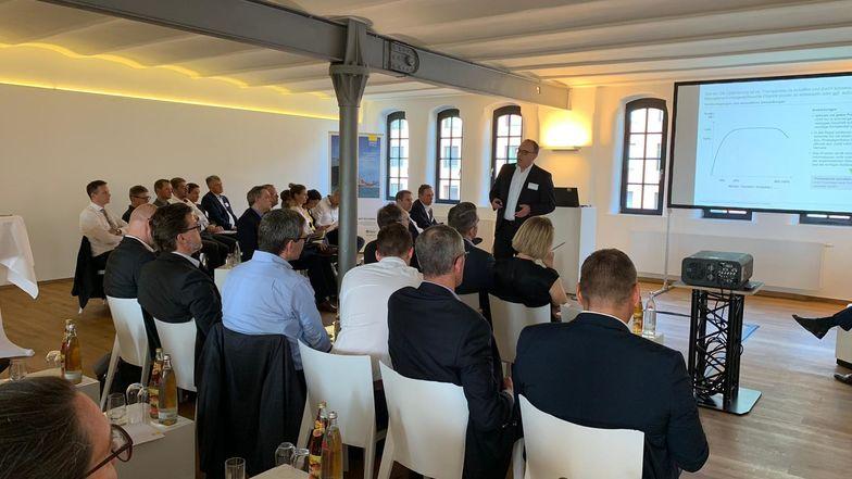 Thomas Mundus, Ebner Stolz, sprach zum Thema Management des Deckungsbeitrags.