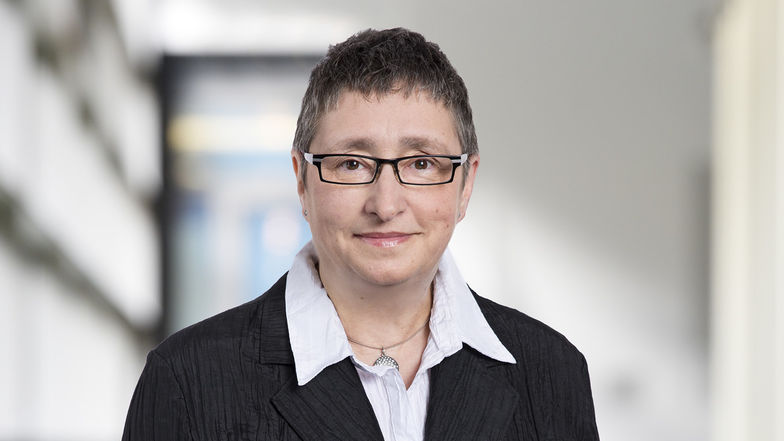 Ulrike Butza, Steuerberater, Rechtsanwalt, Ebner Stolz, Am Wehrhahn 33, 40211 Düsseldorf, Konrad-Adenauer-Straße 72 - 74, 42651 Solingen